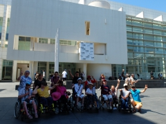 Photo de groupe devant le MACBA