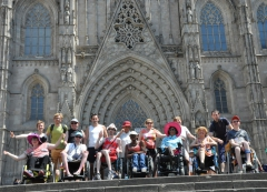 Photo de groupe devant la cathédrale