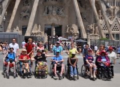 Photo de groupe devant la Sagrada Família